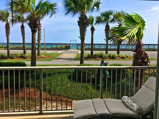 Porch w/Gulf Views! OPEN 9/23-9/25 $775! Crystal View 102-3BR-Across from Gulf