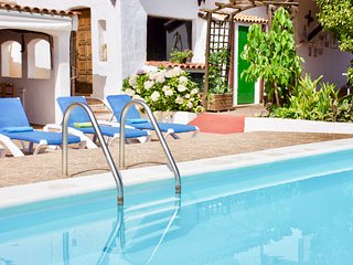 Casa Villa Rosa - w/Private Pool, Billiard, Table Tennis, Sat Tv and WiFi