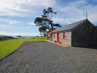 Self Catering Accommodation for Couples near Aberystwyth - Cae Cefn;414596