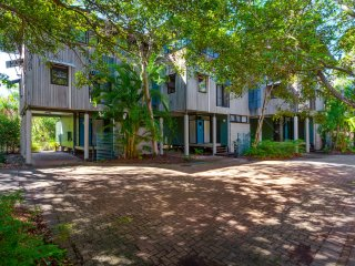 Surfside Beach House 21 - Rainbow Shores