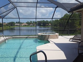 Escape to Naples FL, Revel in Our 4/3 Home, Pool & Spa, Exceptional Lake View