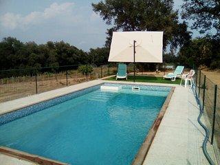 Chalets avec piscine en pleine nature a 10 min des plages d'Aleria