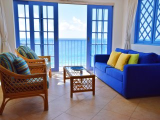 Bright Oceanfront Condo with Beach and Pool Access