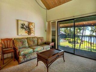 2-Level Comfort+Super View! Ceiling Fans, TV, Kitchen, Lanai–Molokai Shores 305