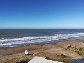 Departamento en Villa Gesell Sobre Playa y 140, vista Panorámica al Mar, 4 pax