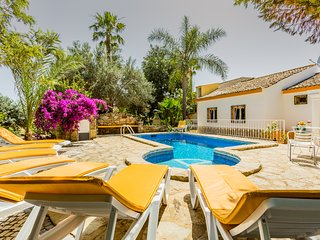 Secluded and PRIVATE Vale do LoboVilla with football&heated pool
