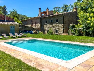 Fantastic La Foixa getaway for 8 people, only 15km from Girona