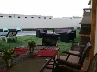 Villa Antonia ubicada en zona tranquila y muy cerca del centro de Playa Blanca