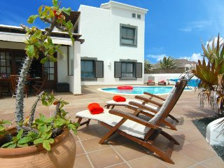 Beautiful villa with wifi in Playa Blanca  Ref LVC197470