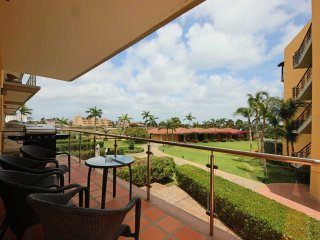 BEACHFRONT - EAGLE BEACH - OCEANIA RESORT - Palm View 3BR condo - P217