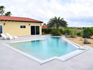 Golf Luxury Four-bedroom villa