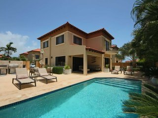 MALMOK BEACH - GOLD COAST ARUBA - Luxury Bliss 3BR villa - GC165