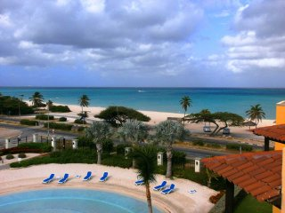 Sapphire Two-bedroom condo - E322 - BEACHFRONT - EAGLE BEACH