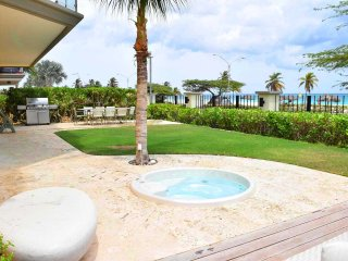 Grand Regency Three-bedroom condo - BG131-3 - BEACHFRONT - EAGLE BEACH