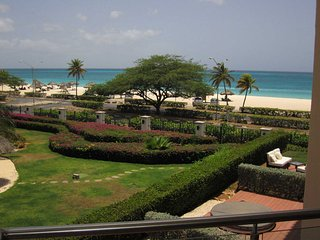 OCEANIA RESORT - Royal Aquamarine Three-bedroom condo - BC252 - BEACHFRONT -EAGL