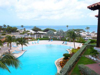 Deluxe View Two-bedroom condo - E323 - BEACHFRONT - EAGLE BEACH