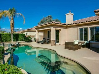 Exclusive Palm Desert Lifestyle - Private Pool & Spa! Gorgeous sparkling Pool &