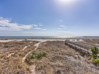 WIndsong 3 - 3 bdrm/3 bath Oceanfront home, right on the sand! Great Fall Rates