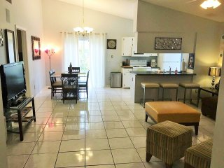 Orlando Vacation/Corprate  House UCF Area Great Value!