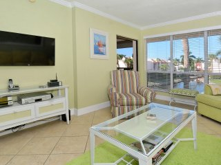Update One Bedroom/One Bath with view and steps to beach unit 234 runaway bay