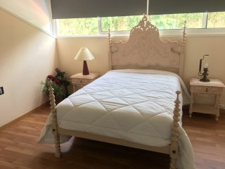 Private rooms in charming house! 15min away Porto center!