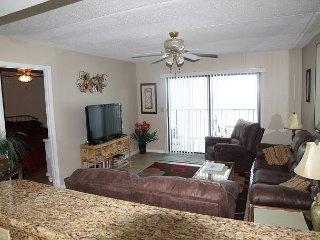 Windjammer 407, 2 Bedroom, 2 Bath, Ocean Front,  Large Balcony, Jacuzzi Tub