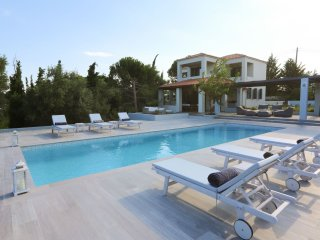 Villa With Private Pool Near a Semi Private Sandy Beach