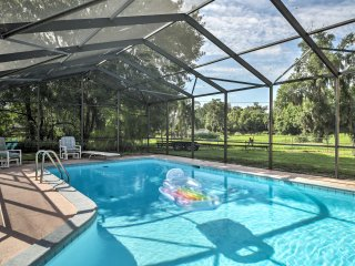NEW! Lakefront 3BR Orlando Duplex w/Pool & Hot Tub