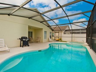 Near Disney 2 Suites, 5br/3ba Fenced Pool & Spa - Unoverlooked !!