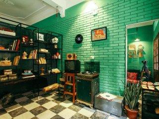 Hanoi 1991 Studio