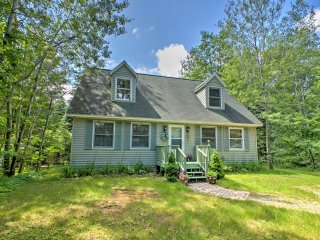 Quiet Lexington Home - 1 Mile Walk to Lake Huron!
