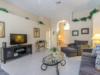 Cozy 3BR 2Bth Home with Private Pool, Spa and Gameroom 20 Minutes to Legoland