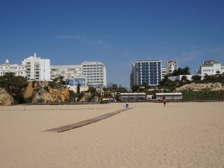 Premium T2 apartment great location! 1 minute walk to the beach with garage