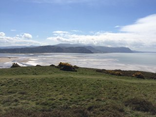 Lovely Cottage with Stunning Coastal views on the Great Orme, Llandudno