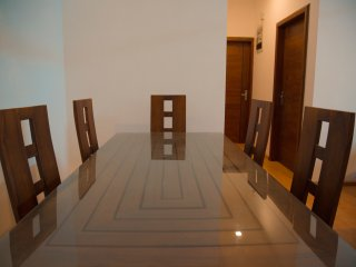 Six sitting dinning table