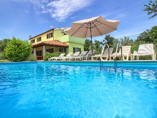 Villa Fuma with private pool, 1km from the beach
