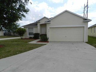 Sunset Ridge 5/3 Pool Home property, fully furnished, with full kitchen, and