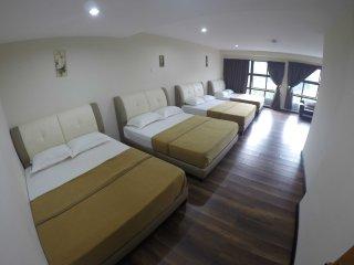 Hamizah Budget Hotel - Room Family Room
