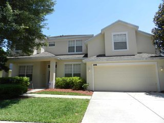 Highlands Reserve 5/4 Pool Home property, fully furnished, with full kitchen