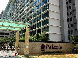 Mel de Palazio Mount Austin Homestay