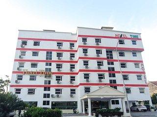Hotel Time Melaka - Room Deluxe Family