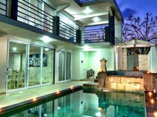 Tresna Private Villa - Room Two Bedroom Private Pool Villa