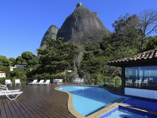 Rio120-11 bedroom holidays house with 2 pools in São Conrado