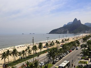 Rio179-Exceptional beachfront penthouse in Ipanema with 4 bedrooms