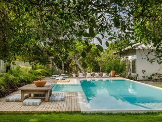 Bah015-Luxury house with private pool and garden in Trancoso