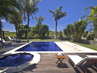 Buz024-Luxury 5 bedroom house with pool and jacuzzi in Búzios, Ferradura