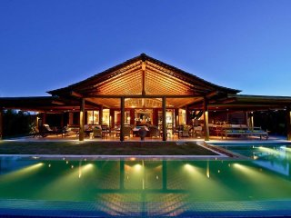 Bah025-Luxury and authentic mansion with large pool in Trancoso
