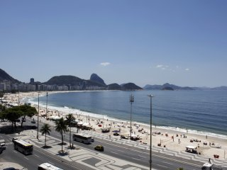 Rio080-Stylish studio flat directly on Copacabana next to The 5 stars Emiliano