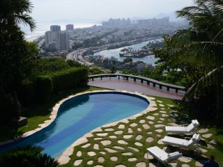 Rio591-Exceptional 5 suite mansion in Joa with private pool, spa and garden