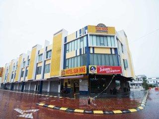 Sun Inns Hotel Pasir Penambang - Room Family 3 Window